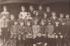 29-1928-Clatt-School-School-photo-see-list-for-details
